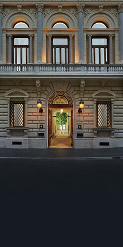 Foster + Partners turns home of artist Filippo Marignoli in Rome into Apple store