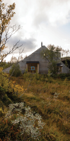 Cabin Thunder Top in Norway has a 30-step accessible roof and a ski jump
