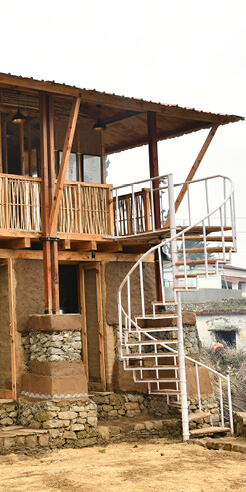 Compartment S4 builds earthquake resistant tourism center in Khirsu, India