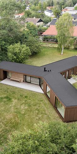 Jan Henrik Jansen with Marshall Blecher build prefab Villa Korup in Denmark