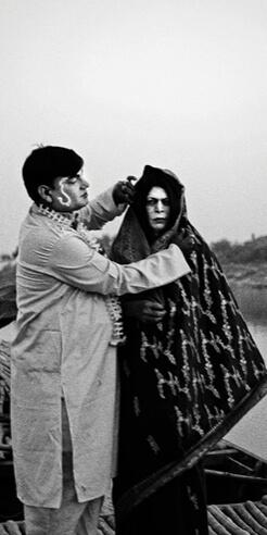 'Let's Sing an Old Song' by Soumya Sankar Bose highlights the forgotten Jatra tribe