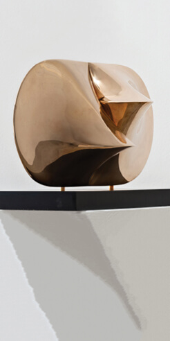 'Small Gems' features Agostino Bonalumi's hitherto unseen paintings and sculptures