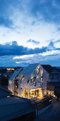 The Nắp Ấm Homestay by Le House lights up Đà Lạt city like a screened lantern