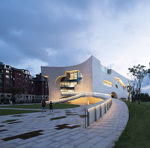 Steven Holl embeds 'clouds and clocks' into Shanghai Cofco Cultural & Health Center