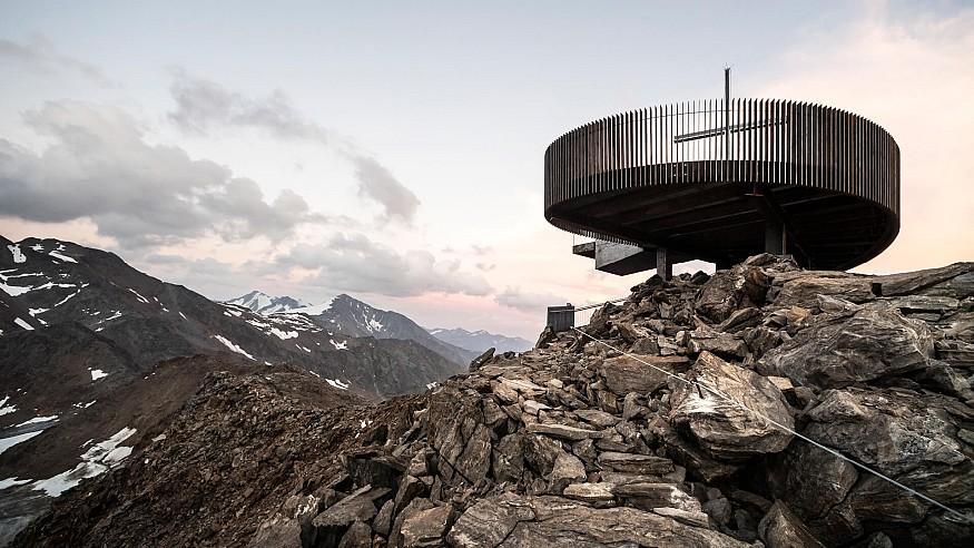 noa* completes Ötzi Peak observation deck on top of 3251 metre glacier in Italy