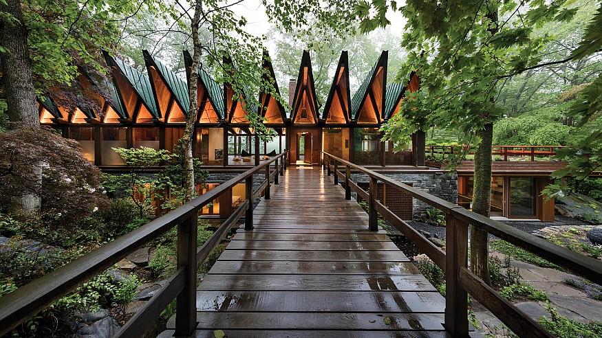 BarlisWedlick transforms a 1960s New York home into a private wellness retreat
