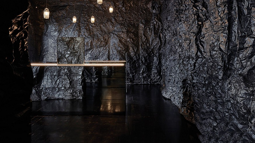 Russell & George designs a cave-like jewellery store for Sarah & Sebastian