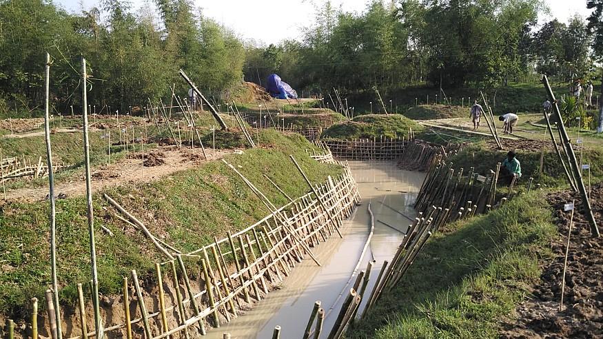 Asim Waqif creates living sculpture 'Bamsera Bamsi' in Sylhet, Bangladesh