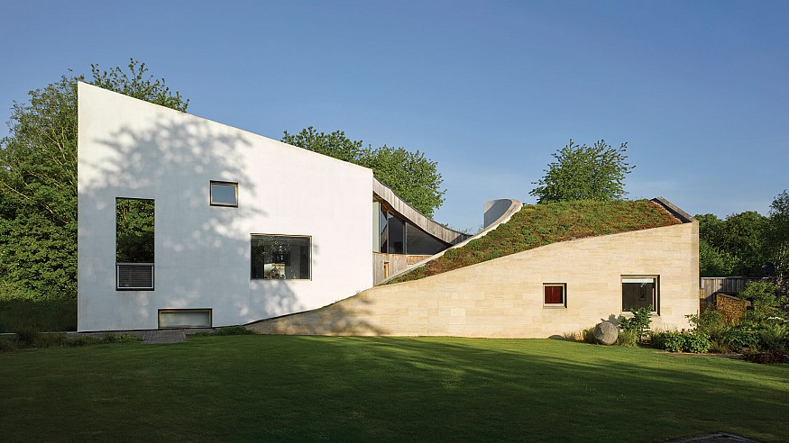 Featherstone Young uses green roofs to unite Stonecrop's two sloping wings