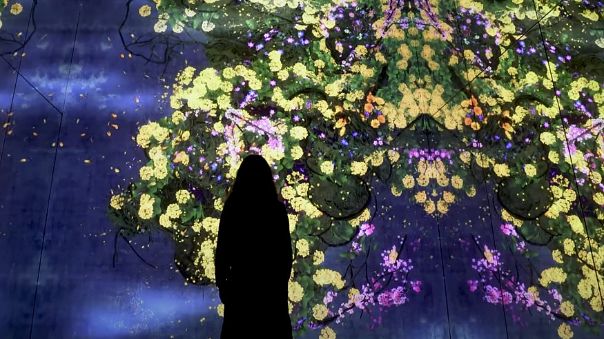 teamLab muses the borderless, continuous relationship between us and the world