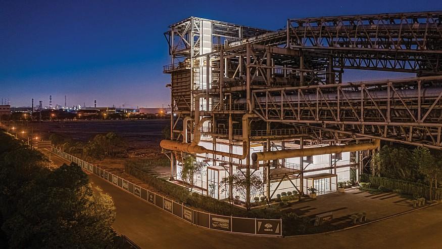 Kokaistudios convert an old steel factory into a modular exhibition center in Shanghai
