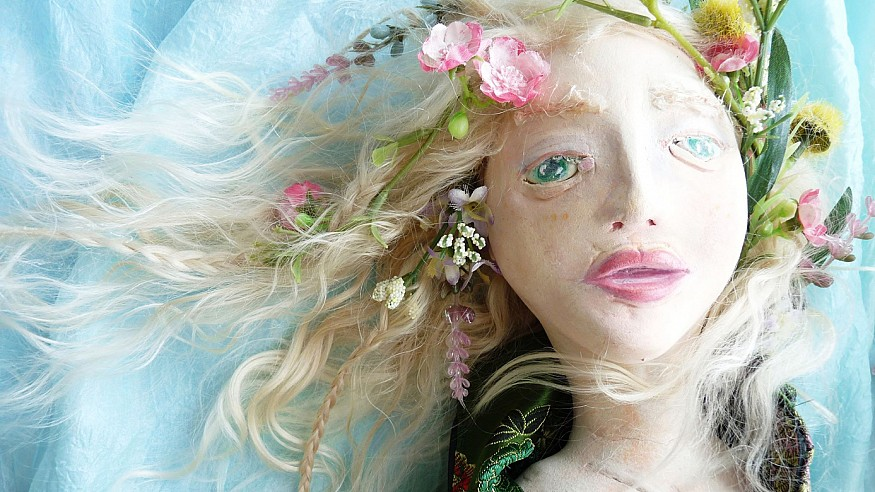 The trending craze of Ophelia, the doll that shows signs of age