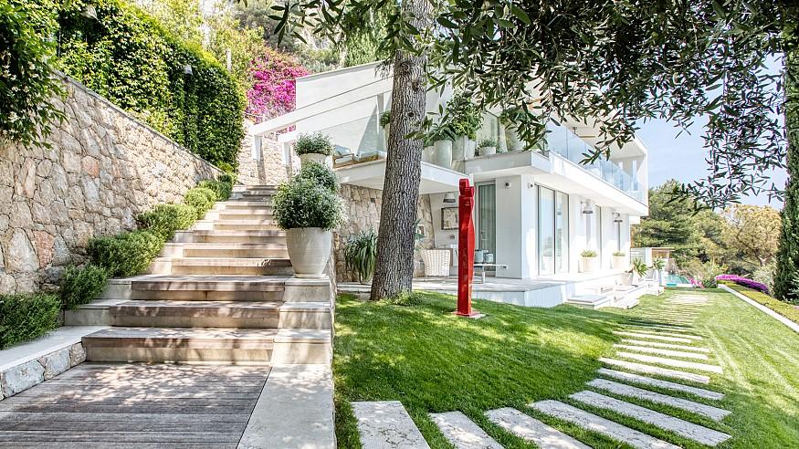 Fashionably at home with Sabrina Monteleone-Oeino