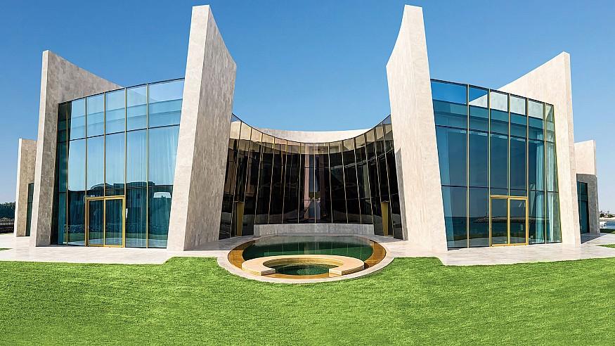 Fabio Novembre designs crescent-shaped Al Gurm Villa in Abu Dhabi