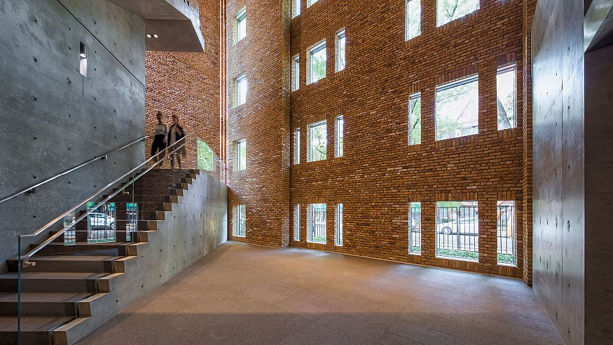 A building within a building: A review of Wrightwood 659 in Chicago, USA