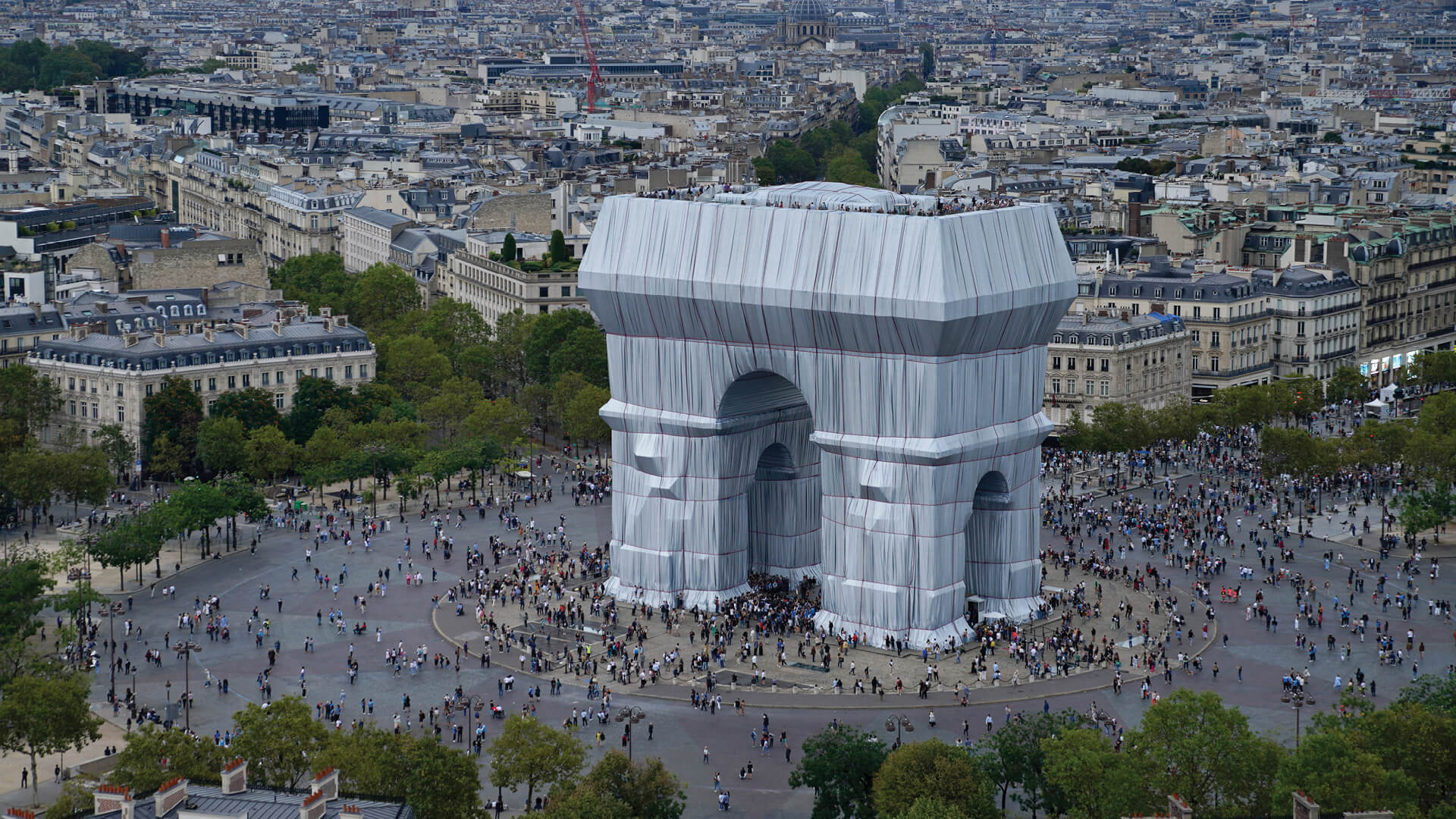 As 'Arc de Triomphe, Wrapped' by Christo and Jeanne-Claude comes down following its two week run in Paris, STIR reflects on how the installation was interpreted by visiting designers   Christo and Jeanne-Claude   STIRworld