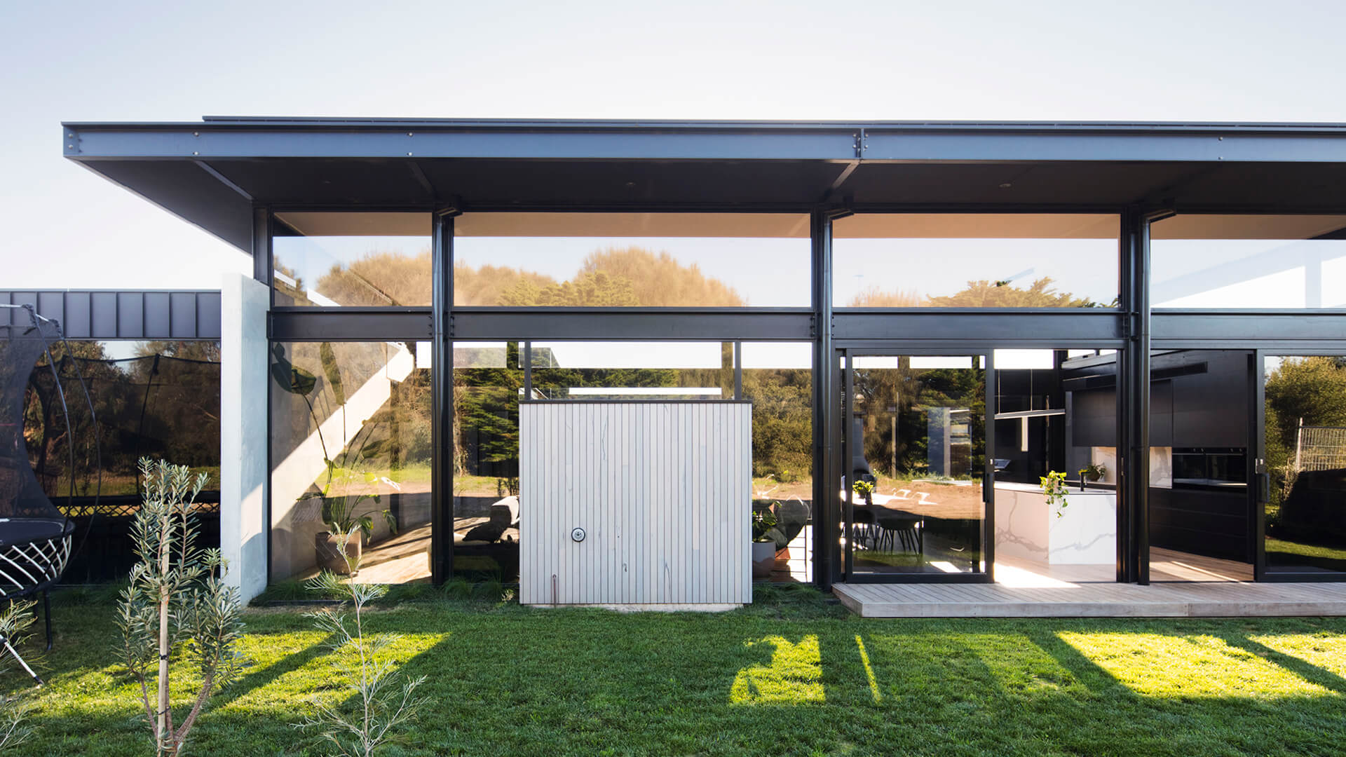 Lachlan Shepherd Architects use structure as design for Cashmore House in Australia