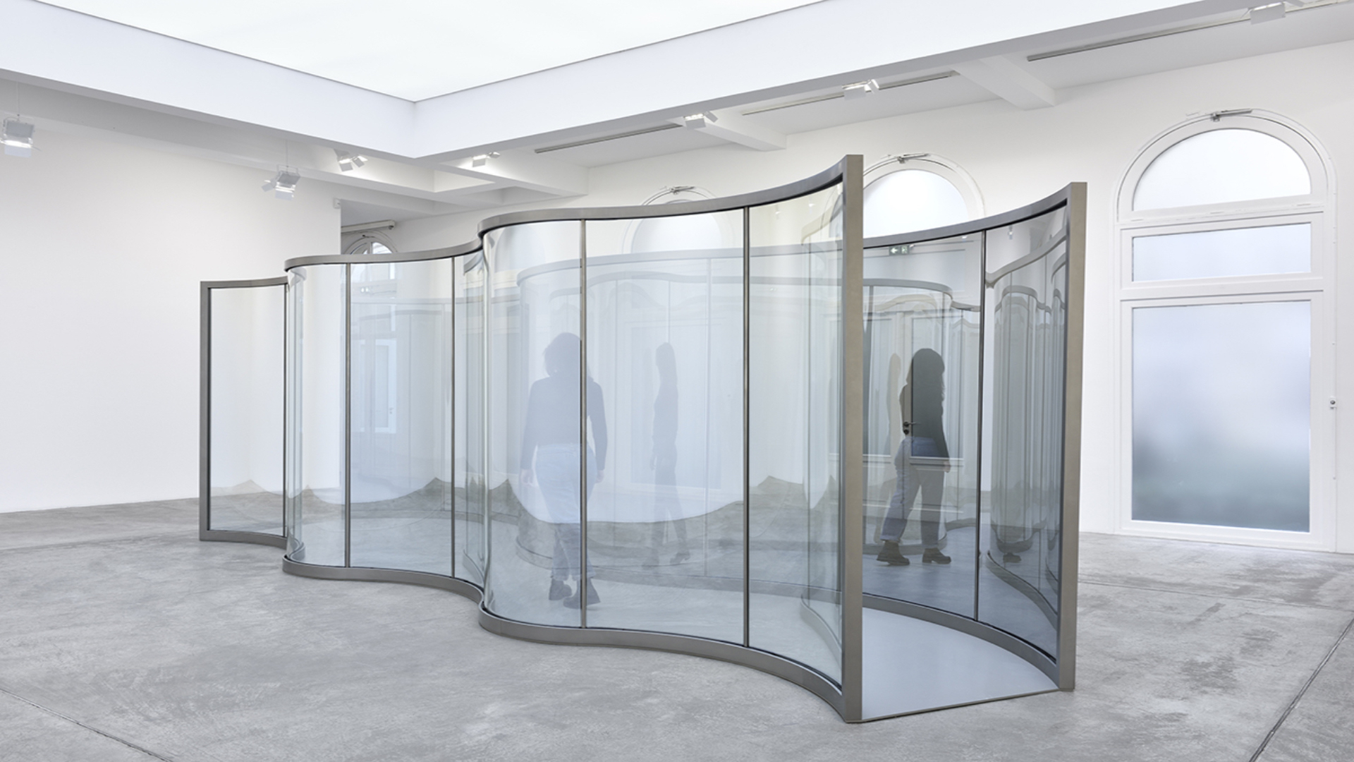 Dan Graham reveals his new pavilion at Marian Goodman Gallery Paris