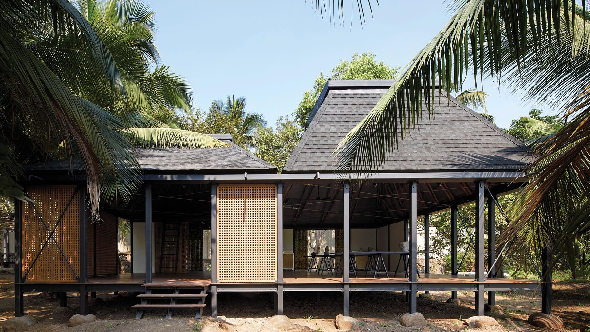 Architecture BRIO raises Mumbai Artist Retreat on stilts to survive flooding