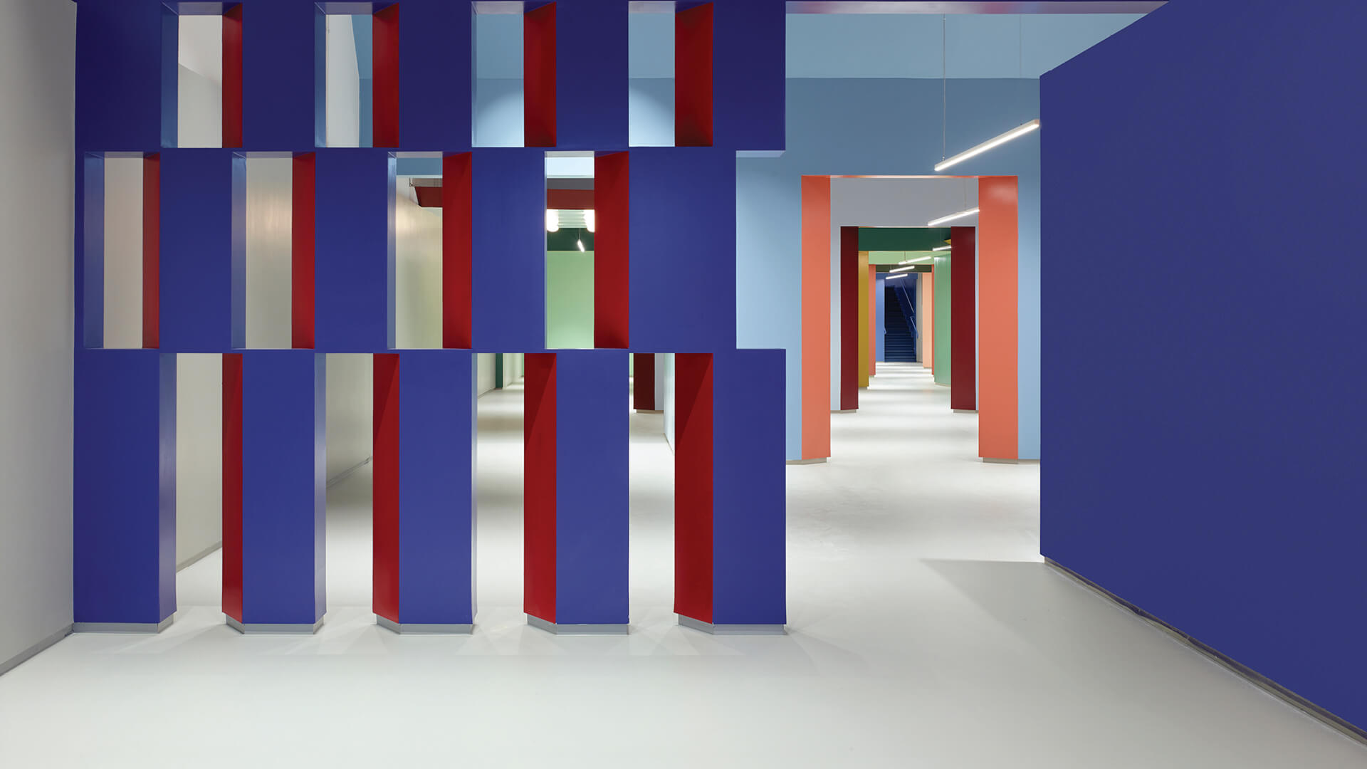 Colours mix life, theatre, and commerce in Kaza showroom by Baranowitz & Goldberg