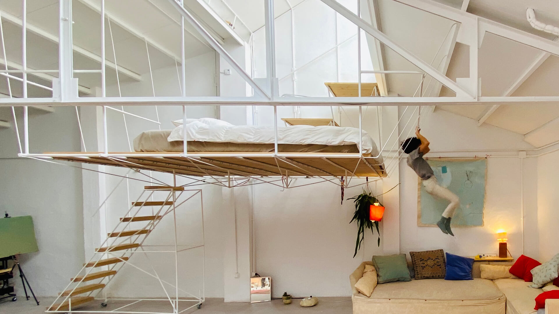 Picture of: Pia Mendaro Designs An Elevated Living Space In A Former Warehouse In Madrid