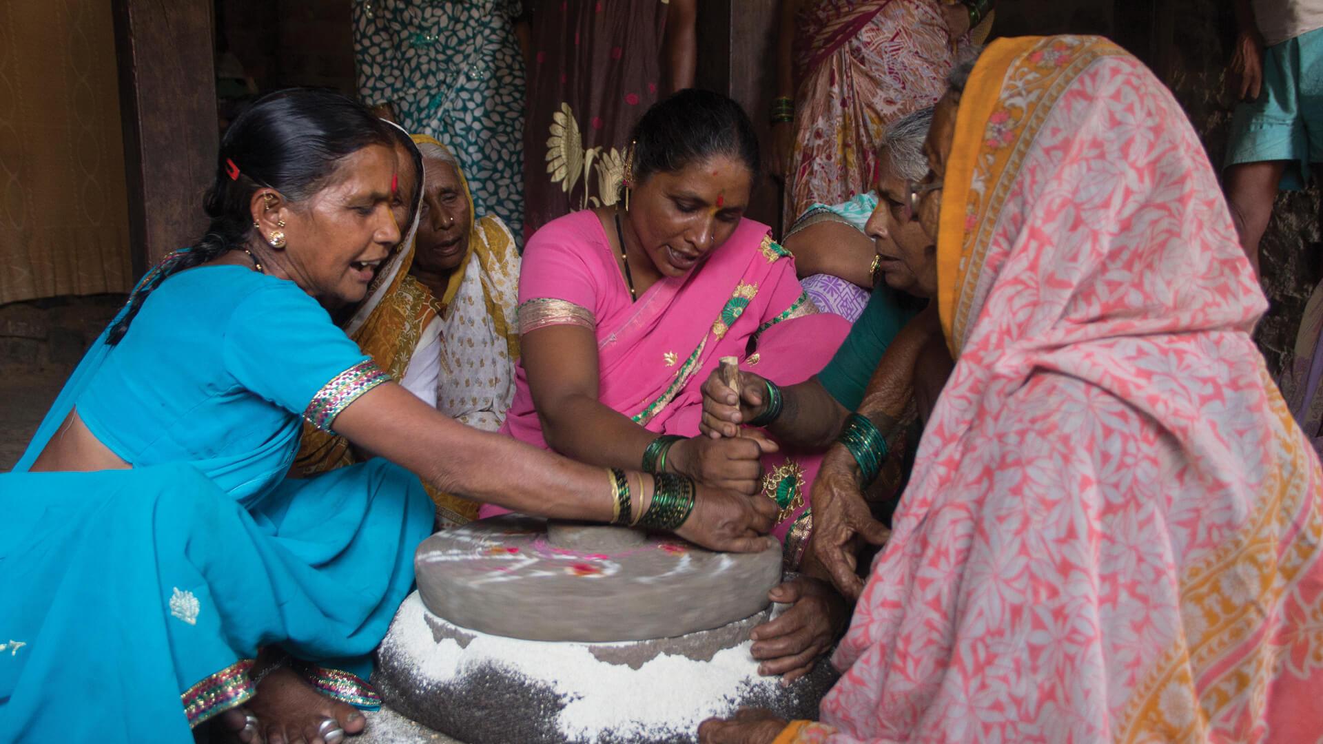 Many women in rural Maharashtra sang songs while grinding grain| Sinchita Maji | STIRworld
