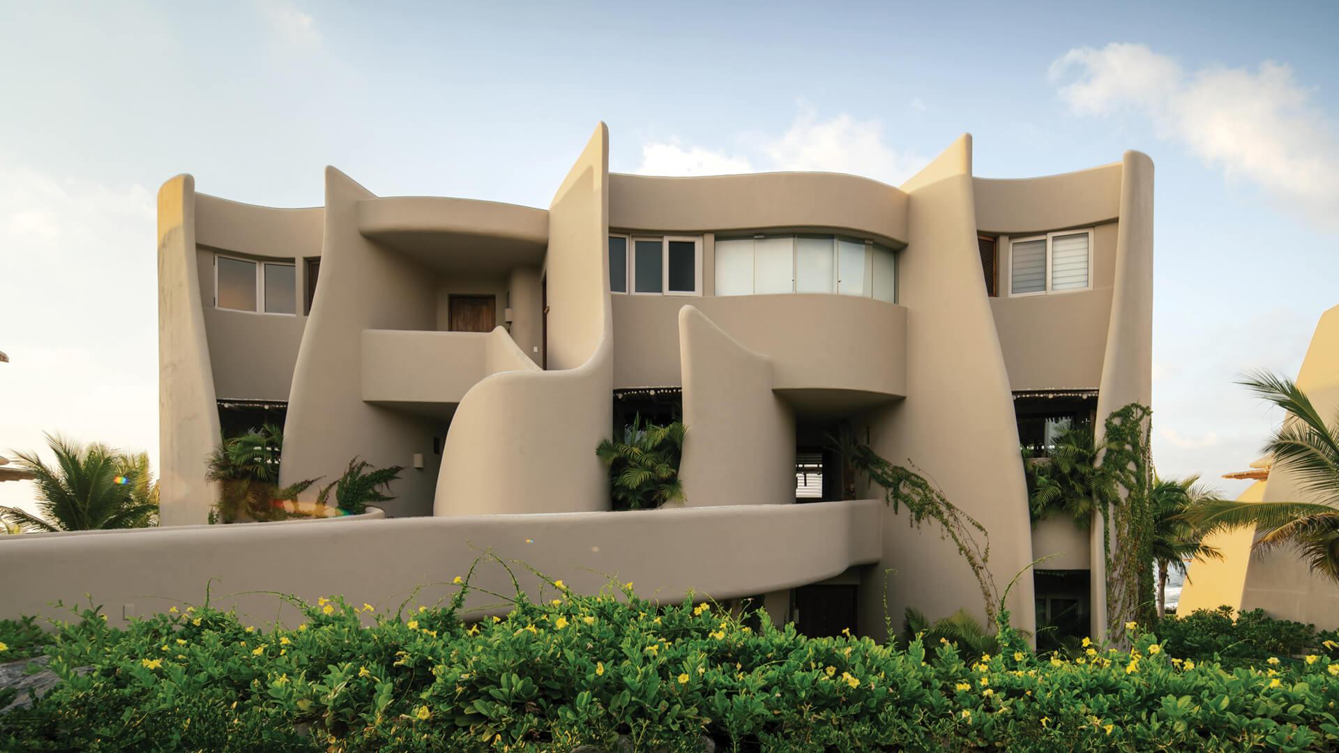 Zozaya Arquitectos design Punta Majahua, a suite of petal like beachfront residences