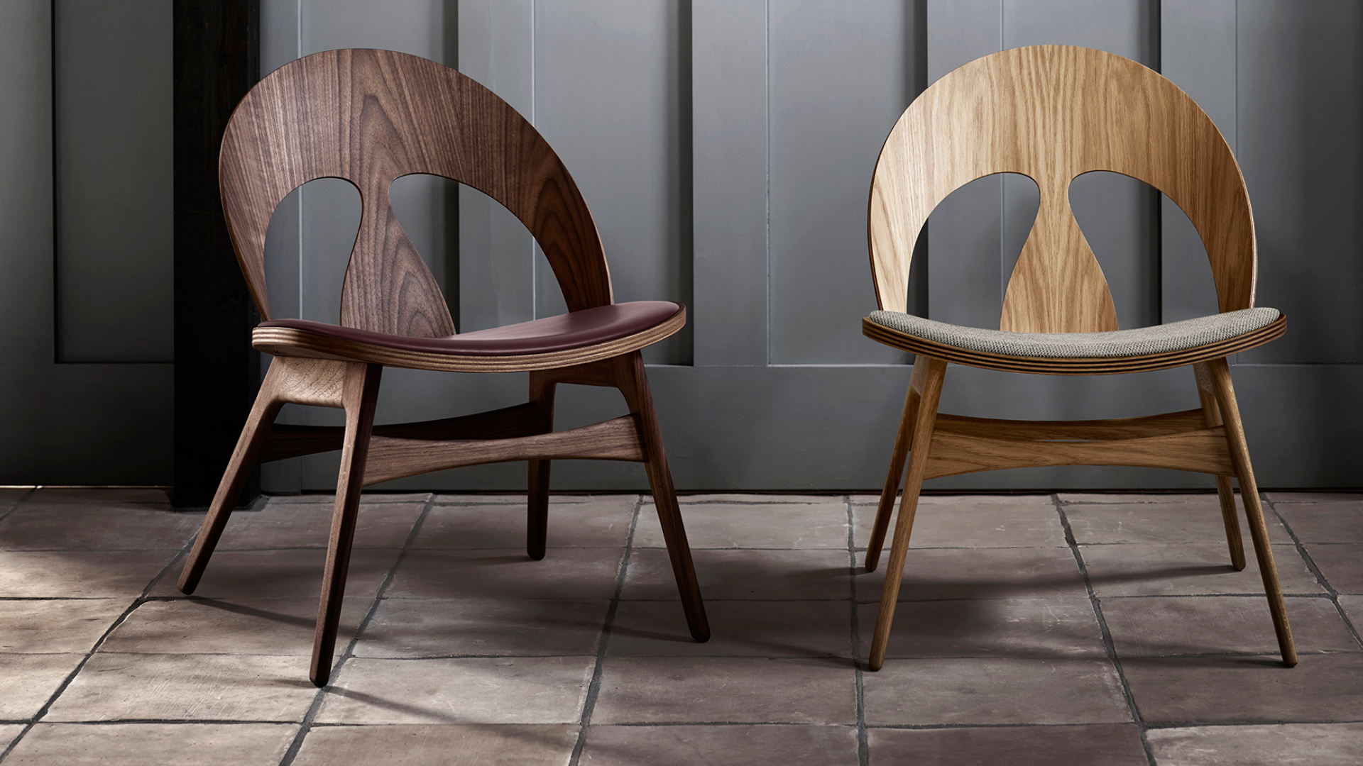 The Contour Chair (model number BM0949), first designed by Danish designer Børge Mogensen is manufactured in oak, walnut and a combination of these two wood types with various finishes | Contour chair by Børge Mogensen for Carl Hansen & Son | STIR