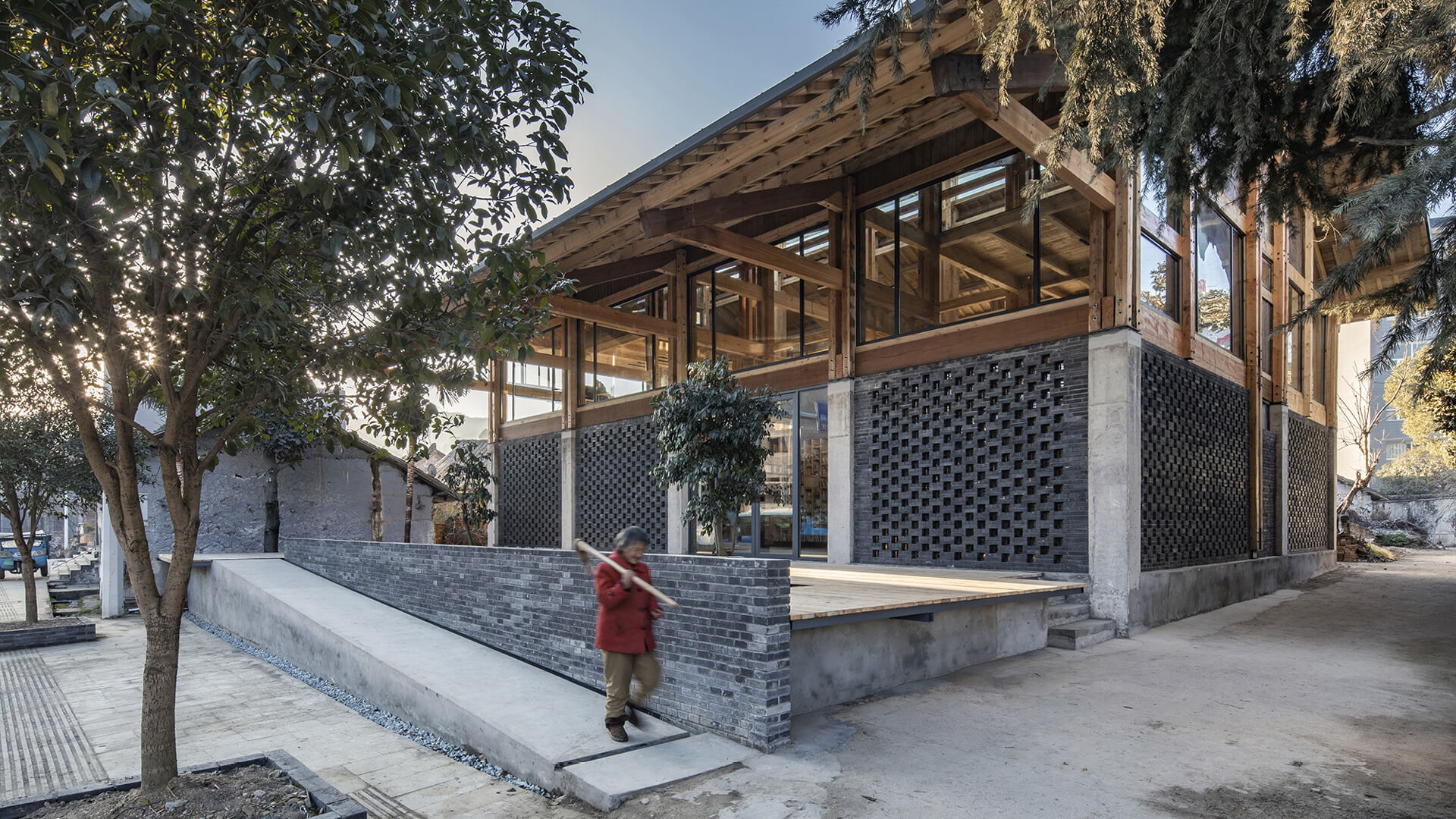 The entrance ramp of the Party and Public Service Center of Yuanheguan Village, in China, designed by ZUO studio | Party and Public Service Center of Yuanheguan Village by LUO Studio | STIRworld