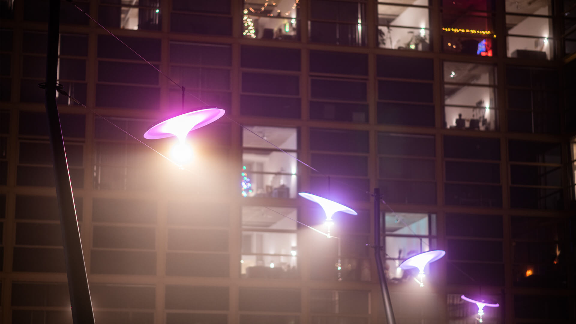 'Sunseeker' by Vantot rethinks static street-lights while dynamically following the sun