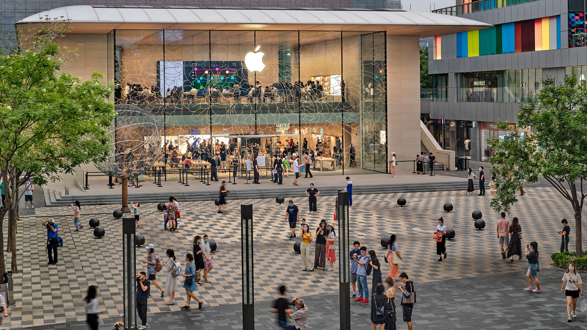 The new Apple store in Sanlitun, Beijing by Foster + Partners | Apple Store in Beijing by Fosters + Partners| STIRworld
