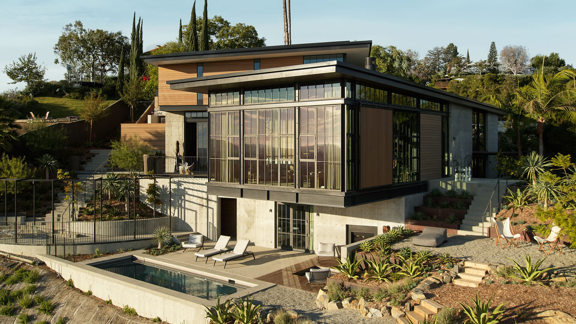 Mutuus Studio's Hollywood Hills House redefines luxurious spatial experiences