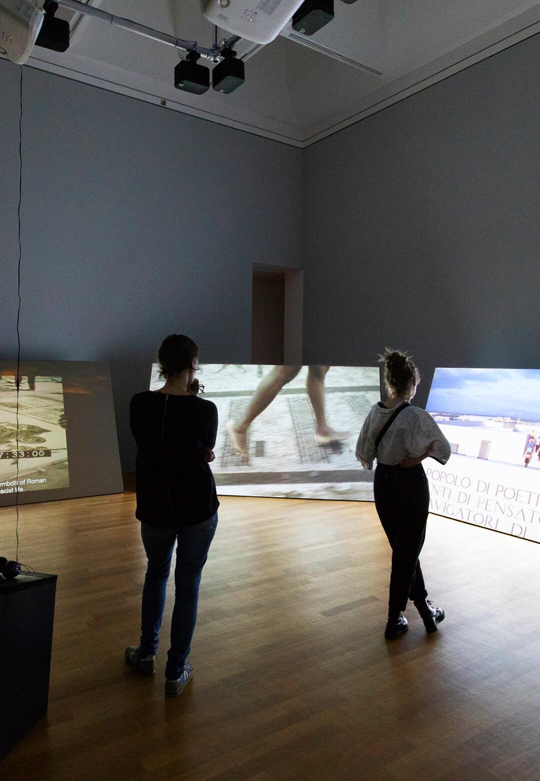 VIDEONALE.17 exhibition view 1 c/o Kunstmuseum Bonn, exhibition architecture Ruth Lorenz maaskant Berlin