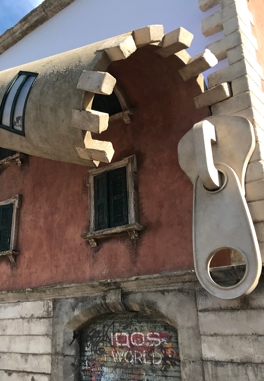 Alex Chinneck unzips the façade of an old building in Milan| Alex Chinneck| IQOS| Philip Morris International| STIR