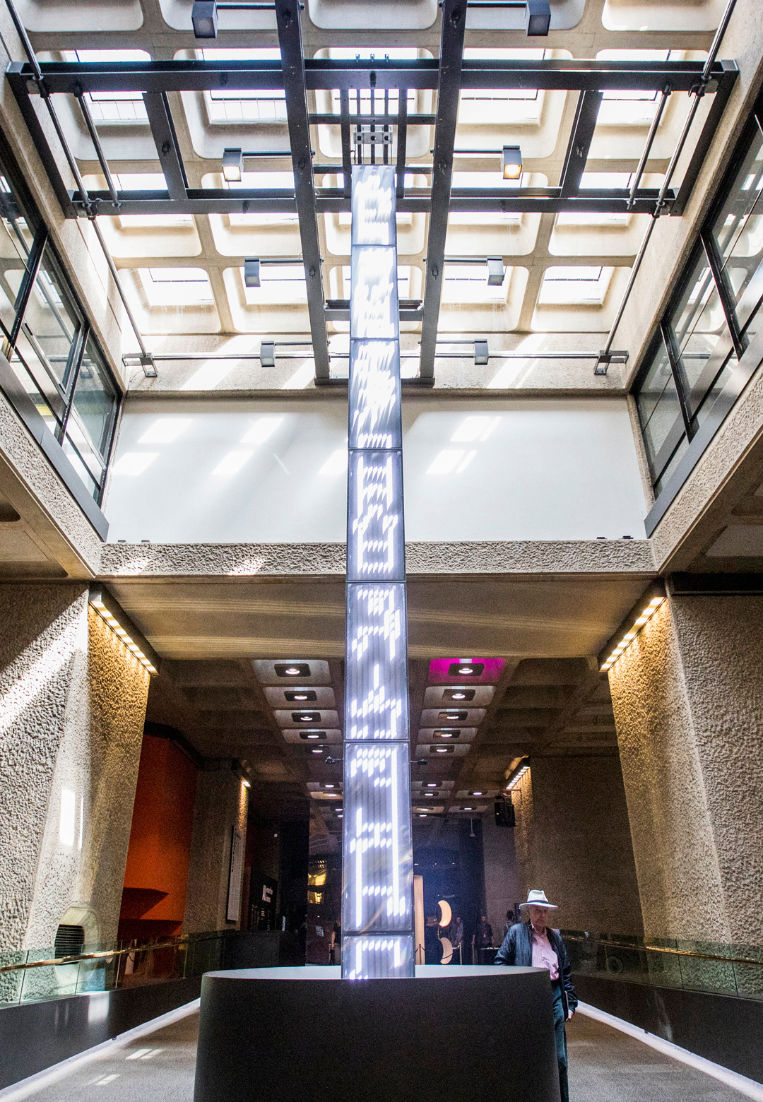 Totem –large-scale, dynamic installation | Chris Salter, Sofian Audry, Takashi Ikegami, Alexandre Saunier, Thomas Spier| AI: More than Human| Barbican Centre, London| STIR