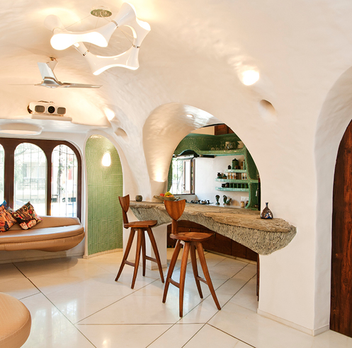 An organic abode by The White Room in the midst of a bustling suburb of Mumbai