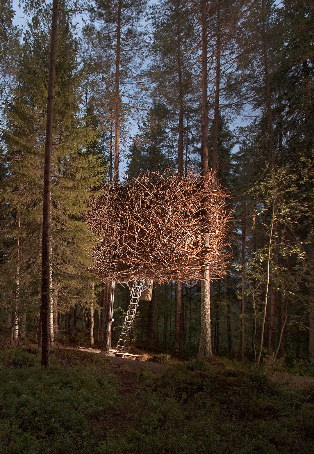 The Bird's Nest was constructed in 2010, by Bertil Harstroem of Inredningsgruppen. It has been designed for four people with one double bed and two single beds | Treehotel | Kent, Britta Lindvall | STIR