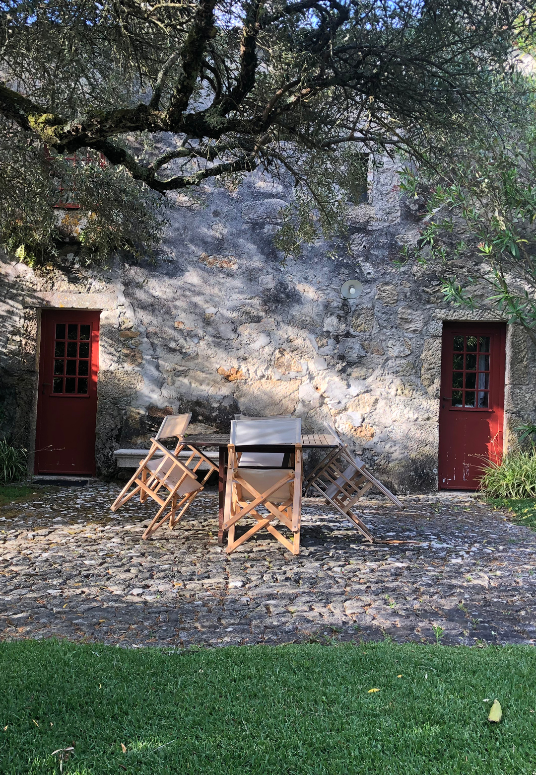 The threshing floor of the original farmhouse now used as a breakfast terrace | Presenting the Past in Portugal | STIRworld