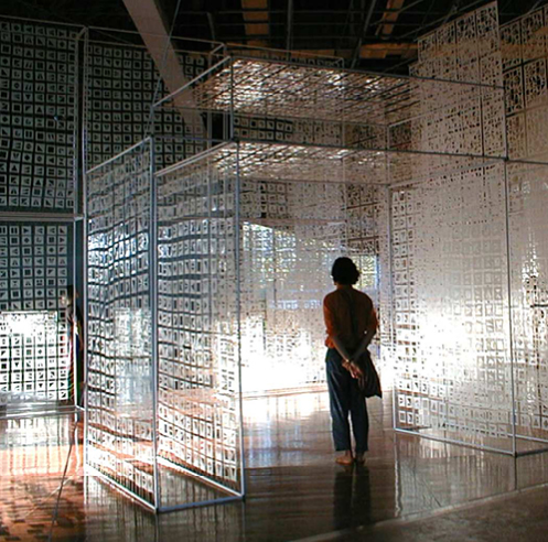 Gallery Art Motif exhibits luminous light, abstract sculptures made in paper