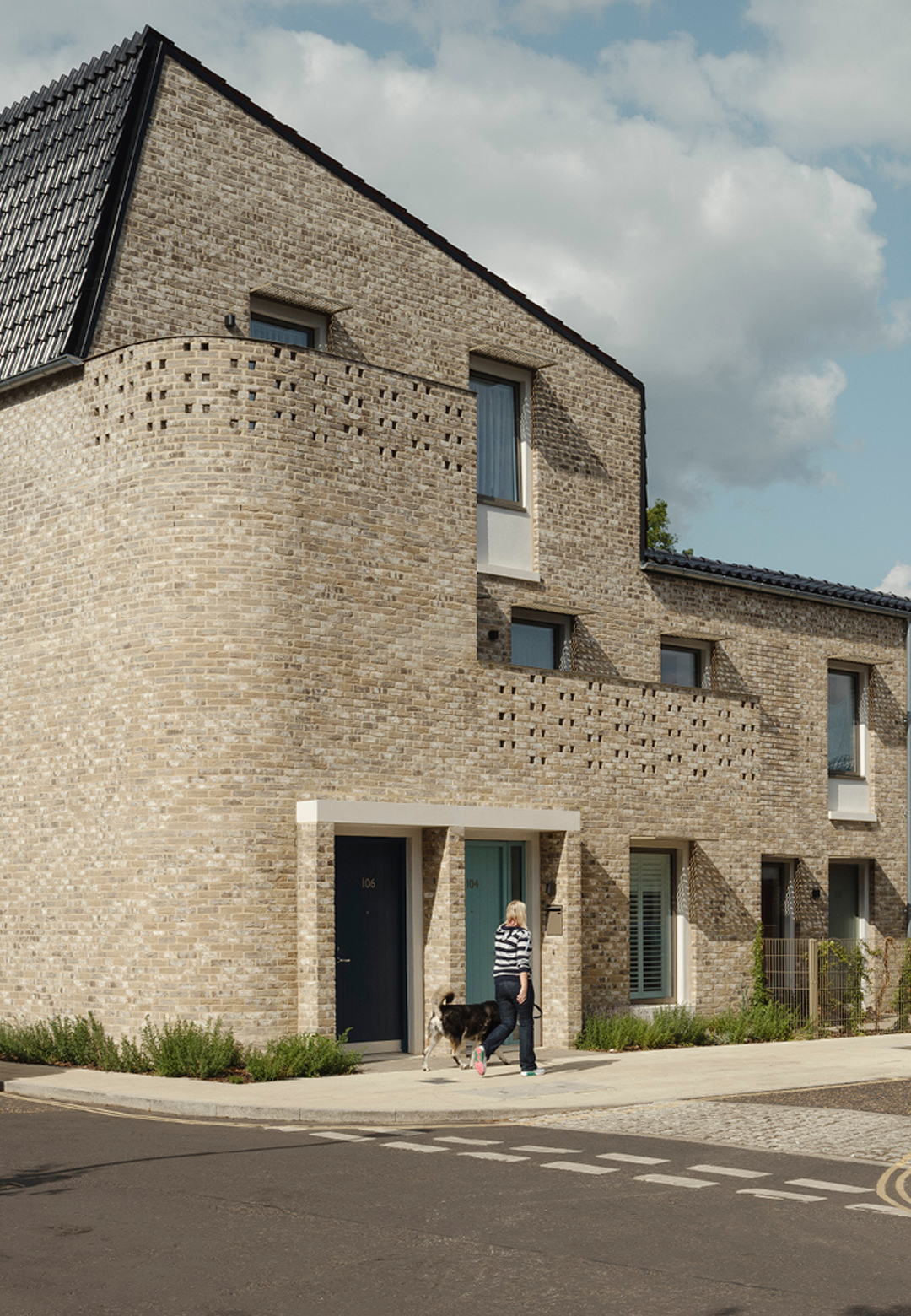 Goldsmith Street housing scheme by Mikhail Riches with Cathy Hawley wins RIBA Stirling Prize 2019| Goldsmith Street Housing | Mikhail Riches, Cathy Hawley | RIBA Stirling Prize 2019| STIRworld