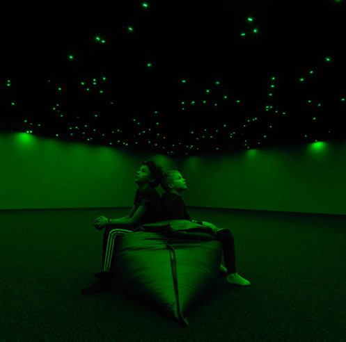 Tatsuo Miyajima's exhibition <em>Sky of Time</em> lights up the darkness in green LEDs