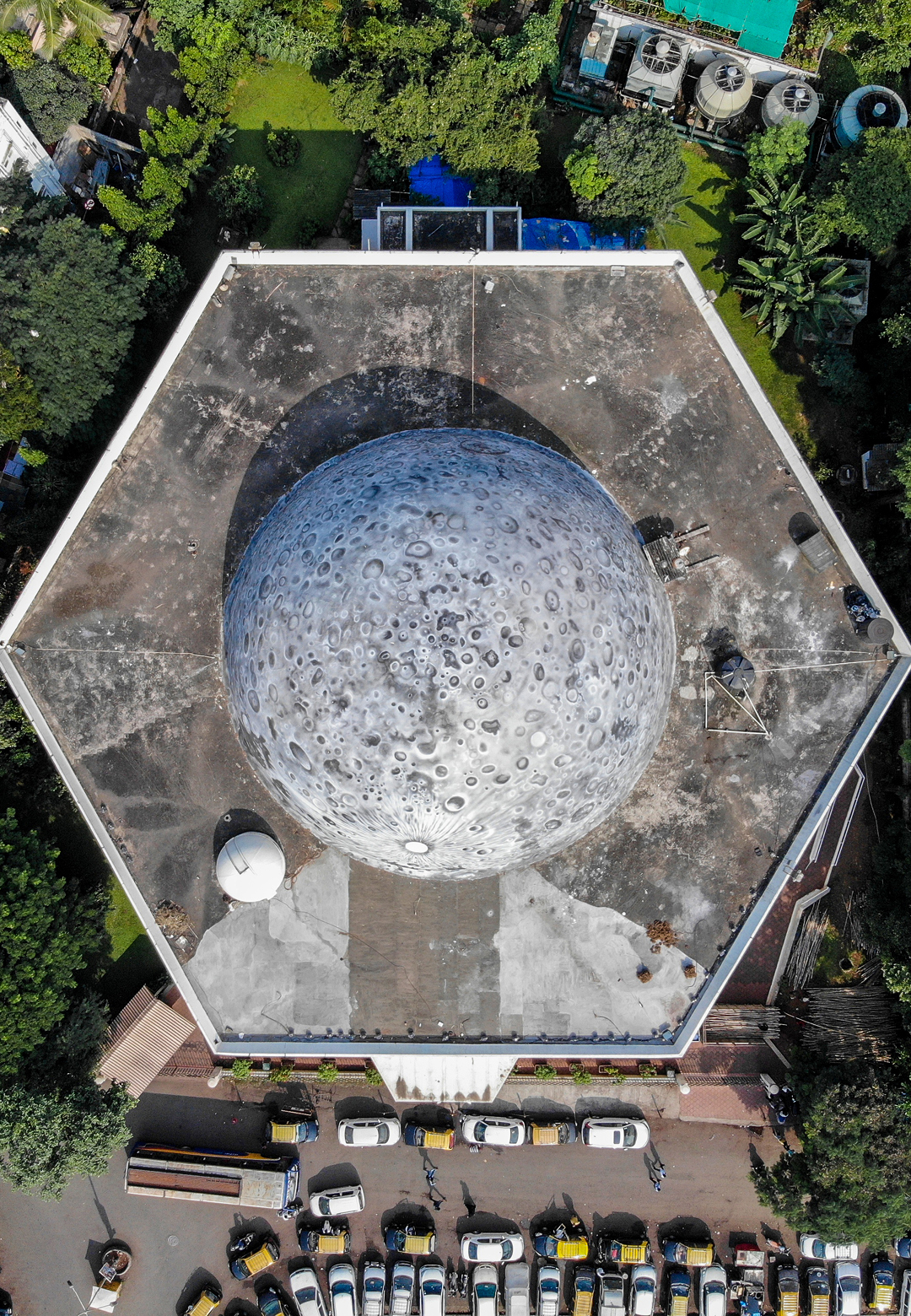 The massive Lunar Dome atop Nehru Planetarium in Mumbai | Lunar Dome | Asian Paints | Sideways| St+art India | STIRworld