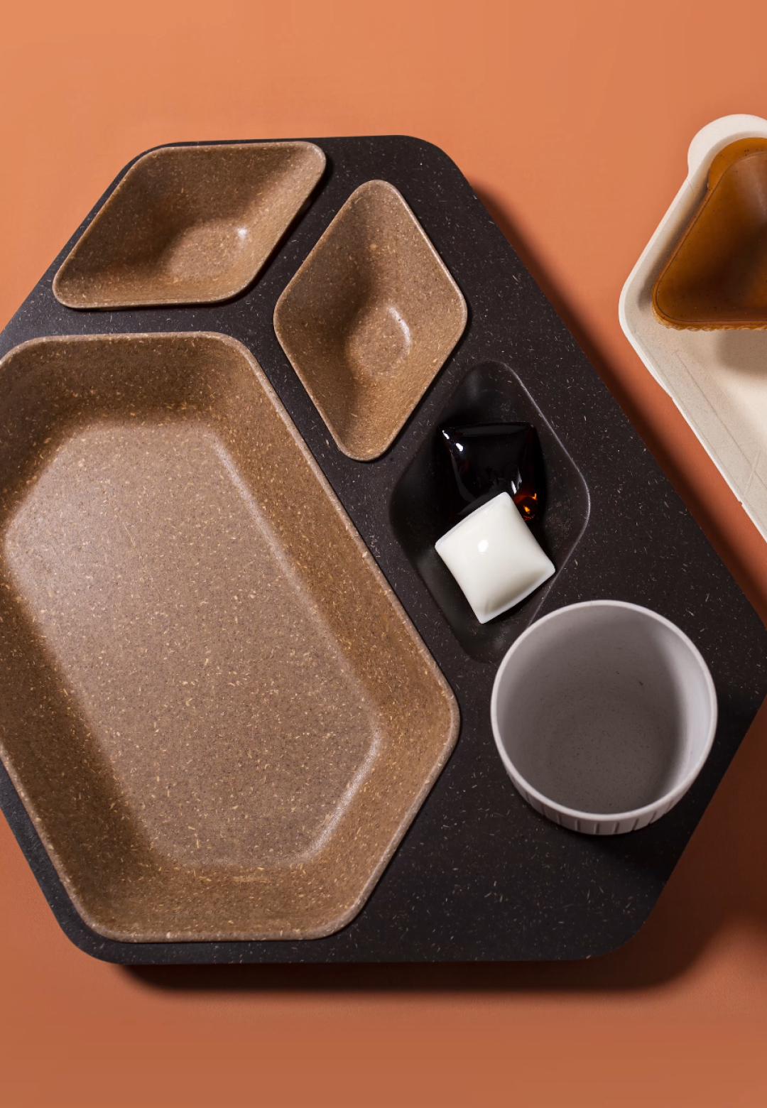 'Get Onboard' Meal Tray – Disassembly | Paul Priestman | PriestmanGoode | STIRworld