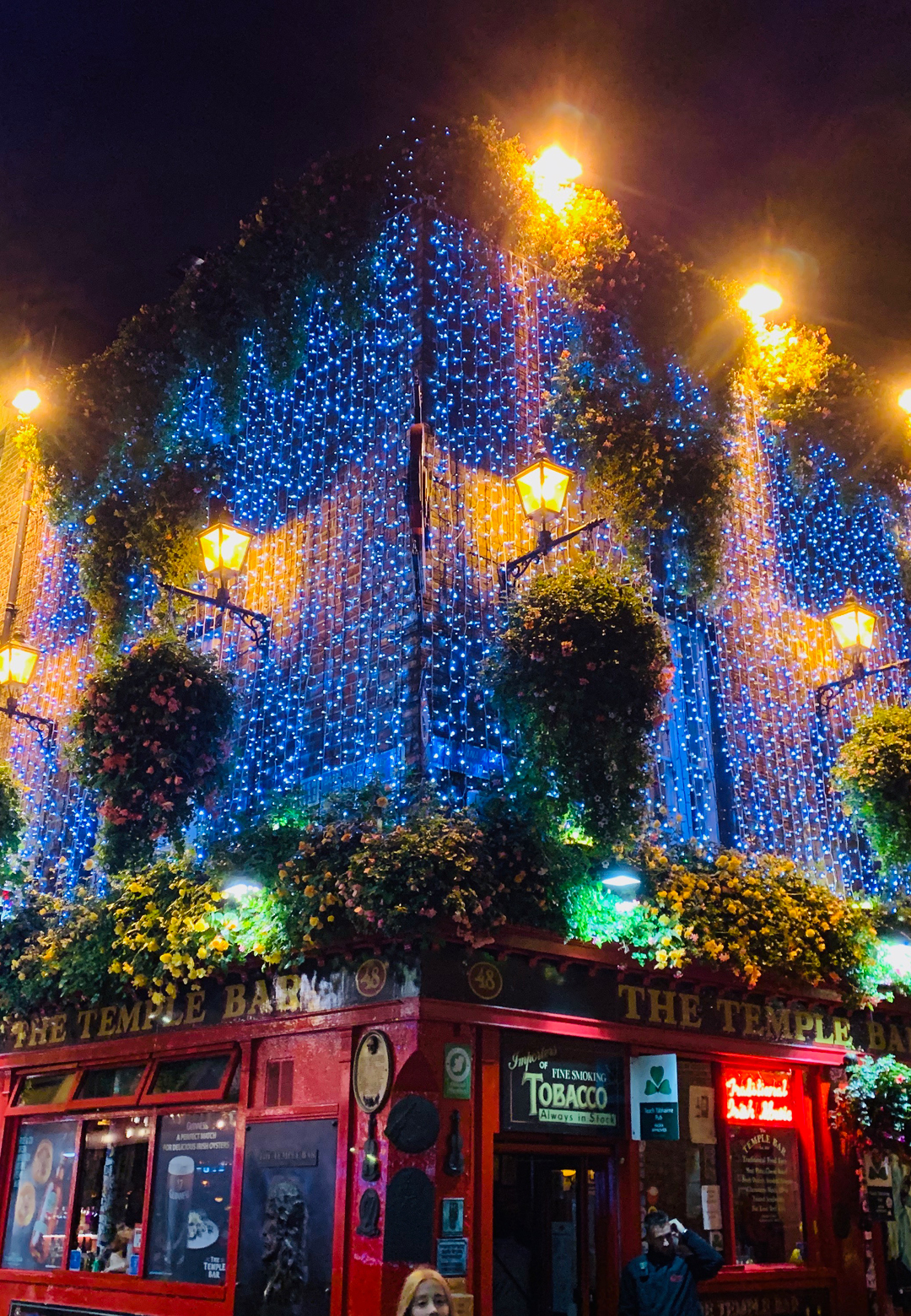 The famous Temple Bar by night | Dublin | STIRworld
