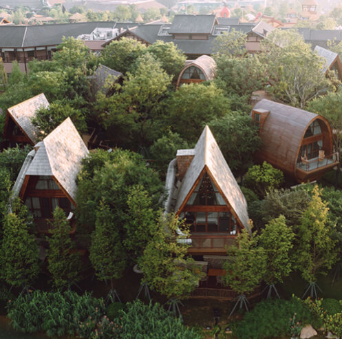 aoe scatters 13 wooden units in a Chinese forest to form Guilin Lebei Homestay Hotel
