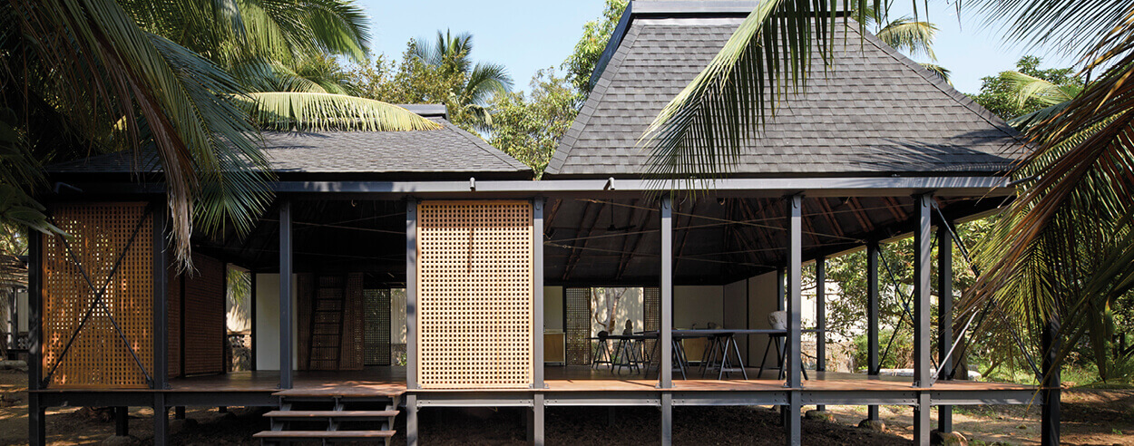 Architecture BRIO raises Mumbai Artist Retreat on stilts to survive flooding