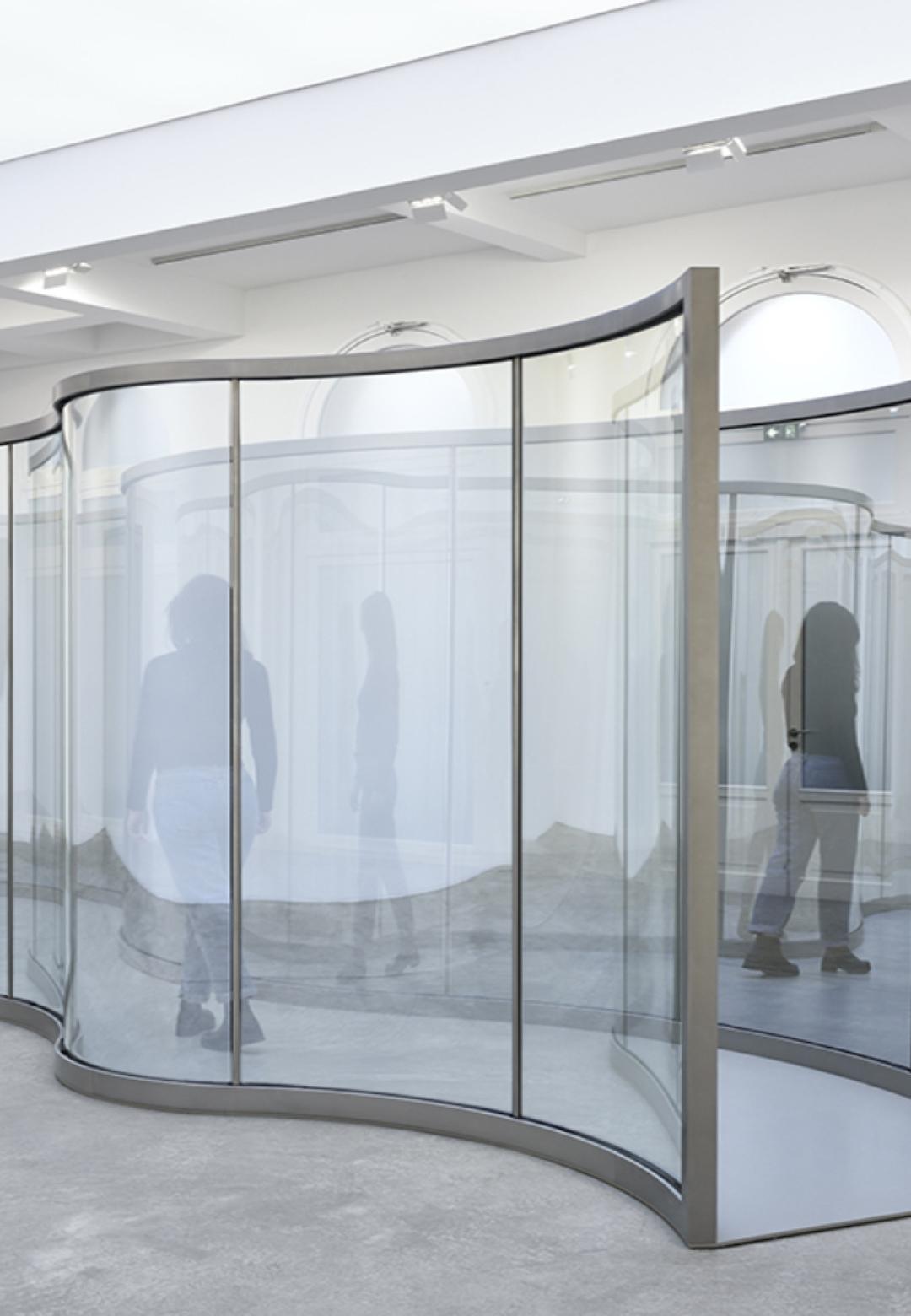 Dan Graham's latest work Neo-Baroque Walkway | Dan Graham | STIRworld