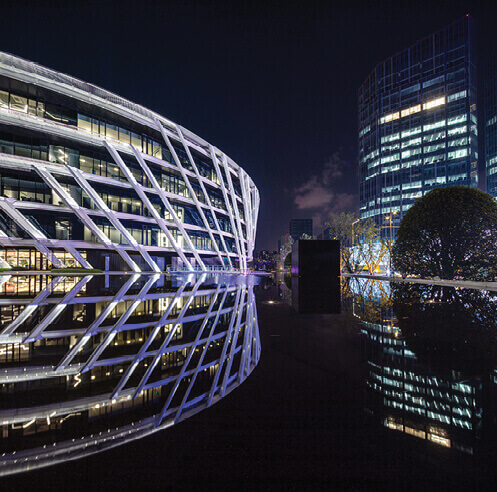 Daniel Statham's sinuous Peacebird Fashion Centre is inspired from a bird's flight
