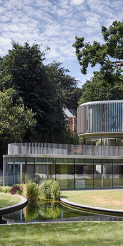 Eldridge London's House in Coombe Park is a glass-clad contemporary residence