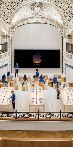 Foster + Partners restores iconic Tower Theatre in LA into a stunning Apple store